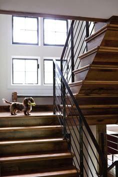 WABI SABI Scandinavia - Design, Art and DIY.: Rustic and refined in lakefront Barn living Metal Building Homes, Metal Homes, Building A House, Modern Barn, Modern Rustic, Rustic Industrial, Smart Home Design, Scandinavia Design, Barn Living