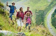 Wandern in Nauderns mit der ganzen Familie Aktiv, Couple Photos, Couples, Sports, Hiking, Couple Shots, Hs Sports, Sport, Couple