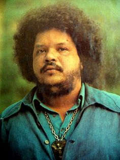 Tim Maia a singer/songwriter who is credited with bringin SOUL Music to Brazilian Popular Music. A film about his life was released in 2015 starring actor Babu Santana as the adult Maia. Rock And Roll, Brazil Music, Tim Maia, Blue Poster, Music Icon, Art Music, World Music, Samba, Musical