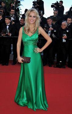 @lulopilato divina de verde jewel en Cannes!