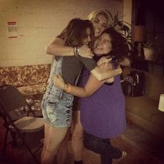 Laura hanging with Rydel Lynch, costar Raini Rodriguez and friends