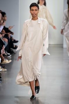 Deveaux Spring 2020 Ready-to-Wear Fashion Show - Vogue Fashion Week, Fashion 2020, Daily Fashion, Love Fashion, Runway Fashion, Spring Fashion, Fashion Show, Fashion Outfits, Womens Fashion