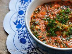 Supă de morcovi raw vegană. Prea mulți morcovi în frigider înseamnă că este timpul pentru o supă raw vegană delicioasă cu ingrediente puține. Ai testat-o?