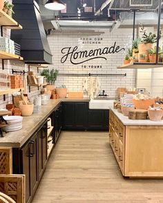 Here is a look inside Magnolia Market to see the 2020 Spring installations including home decor trends and tips for Spring at the Silos. Magnolia Market Bakery, Silos Baking Co, Modern Farmer, Magnolia Table, Chip And Joanna Gaines, Magnolia Homes, Plank Flooring, Home Decor Trends, Home Remodeling