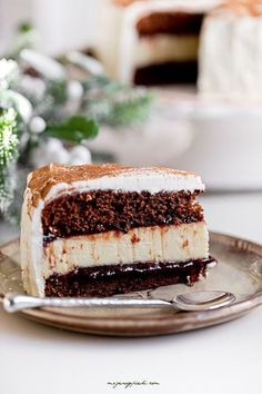 gingerbread cheesecake layer cake with mascarpone cream frosting, amaretto and plum jam Cookie Desserts, No Bake Desserts, Food Cakes, Cupcake Cakes, Gingerbread Cheesecake, Cake Recipes, Dessert Recipes, Cake Cookies, Food To Make