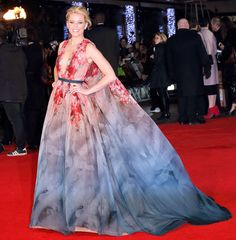 • One word: Wowza! Elizabeth's breathtaking, watercolor-print Elie Saab gown is nothing short of red carpet genius •