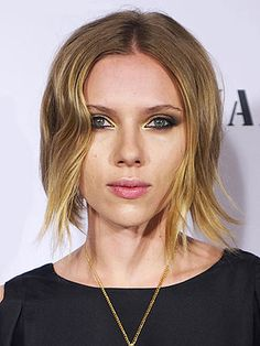 Scarlett Johansson Debuts Tousled Bob: Love It or Hate It? – Style News - StyleWatch - People.com