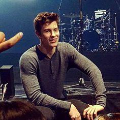 "3,709 Likes, 10 Comments - Shawn Mendes Updates (@shawnmendesupdates1) on Instagram: ""THE CUTEST❤️ #IlluminateTourGlasgow#IlluminateWorldTour#mendesarmy#shawnmendes"""