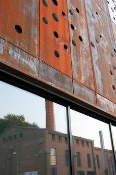 perforated rust-red steel panels_ Performers House in Silkeborg, Denmark_ Schmidt Hammer Lassen Architects Interior Exterior, Exterior Design, Cladding Materials, Metal Facade, Exterior Cladding, Interesting Buildings, Construction, Facade Design, Facade Architecture