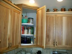 Upper Cabinet uses a triple layer lazy susan. Effective use of space