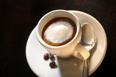 Data viitoare stii ce sa comanzi la cafenea. Uite de ce sa nu ceri espresso lung cu lapte - www.foodstory.ro