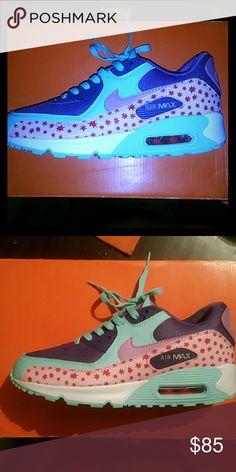 Nike Airmaxx Custom Nike Airmaxx, brand new, never worn, in box. Nike Shoes Athletic Shoes