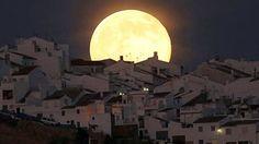 Superlua sobre Olvera, Espanha