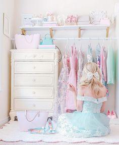 Feminine soft, feminine blog, feminine style, off the shoulder, romantic style, feminine outfits, girly outfits, wardrobe, wardrobe goals, closet goals, pastel wardrobe