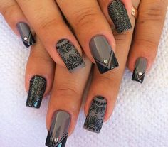 Acrylic nails look gorgeous with some talented hands. Here's 35 acrylic nail designs you should definitely give a try to look gorgeous. Grey Nail Designs, Fingernail Designs, Simple Nail Designs, Beautiful Nail Designs, Acrylic Nail Designs, Acrylic Nails, New Year's Nails, Great Nails, Toe Nails