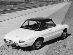 https://flic.kr/p/qcXbiX   1966 Alfa Romeo Duetto Spider 1600