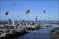 Little Rock Skyline | Little Rock skyline during a balloon festival.