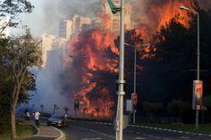 Ισραήλ: Συλλήψεις 12 ατόμων για εμπρησμό: Η ισραηλινή αστυνομία ανακοίνωσε την Παρασκευή ότι συνέλαβε 12 υπόπτους για εμπρησμό έπειτα από…