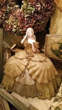 Carmel Candy, Bazaars, Half Dolls, Marquise, Hello Dolly, Pincushions, Black Accents, Antique Dolls, Main Colors