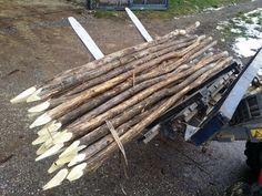 fa cölöpök, k Next Garden, Fence Art, Texture, Fences, Wood, Crafts, Surface Finish, Picket Fences, Manualidades
