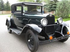 Probably late '20's or early '30's Chevrolet.
