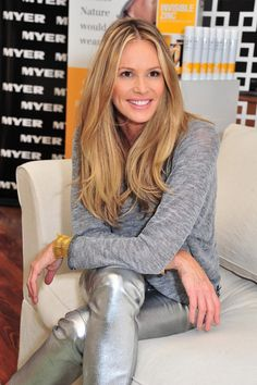 elle macpherson - one of my favorites. love the simple tee with the glitzy pants.