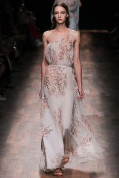 Spring 2015 Ready-to-Wear - Valentino by AislingH