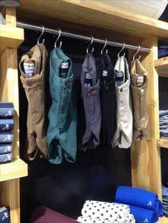 Retail Clothing Racks, Clothing Store Displays, Clothing Store Design, Mens Store Display, Denim Display, Retail Wall Displays, Visual Merchandising Displays, Jeans Store, Retail Store Design