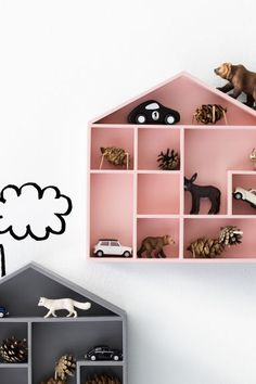 Decorate the kids room with house-shaped shelves. Kids Corner, Deco Kids, House Shelves, Wall Shelves, H&m Home, Little Girl Rooms, Kid Spaces, Kids Decor, Kids Furniture