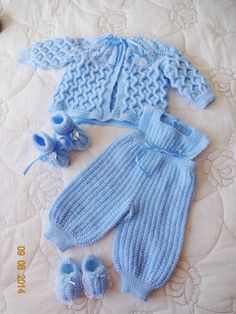 Newborn Outfit, Coming Home Set, Baby Sh - Diy Crafts Baby Boy Knitting Patterns, Crochet Baby Dress Pattern, Baby Sweater Knitting Pattern, Baby Clothes Patterns, Baby Patterns, Crochet Bebe, Knitted Baby Clothes, Baby Cardigan, Crochet Baby Dresses
