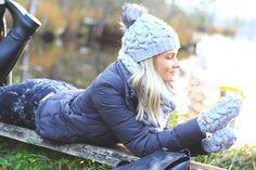 Handknitted Merino wool mittens, hat and snood #Zizterz #KnitZizterz #Knitted #Grey #Knitwear #Handmade #TubeScarf