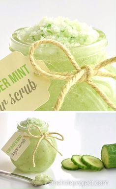 How to Make Cucumber Mint Sugar Scrub - This cucumber mint sugar scrub recipe is so simple to make! It takes less than 10 minutes to whip u - Body Scrub Recipe, Sugar Scrub Recipe, Diy Body Scrub, Diy Scrub, Natural Body Scrub, Hand Scrub, Natural Lips, Sugar Scrub Homemade, Homemade Lip Balm