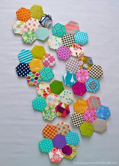 How To Start A Hand Stitched Hexagon Quilt | My Name Is Snickerdoodle. Template.