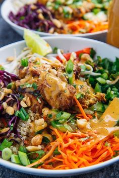 Thai Peanut Chicken Buddha Bowls Recipe : A quick, light, healthy and tasty peanut chicken quinoa bowl! Thai Peanut Chicken, Healthy Chicken, Chicken Recipes, Thai Peanut Salad, Thai Chicken Satay, Thai Peanut Noodles, Spicy Thai Noodles, Asian Chicken, Rice Noodles