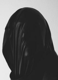 Creative Death, Estocado, Photo, Anonymous, and Portrait image ideas & inspiration on Designspiration Feral Heart, Magdiel Lopez, The Dark Side, Faceless Portrait, Dark Portrait, Memento Mori, Pics Art, Final Fantasy Vii, Dark Fantasy