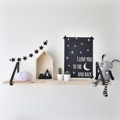Binnenkijken bij xslb - Plank boven de commode (: Baby Boy Room Decor, Baby Boy Rooms, Bohemian Wall Decor, Nursery Shelves, Kids Seating, Nursery Inspiration, Kid Spaces, Playroom, Kids Room