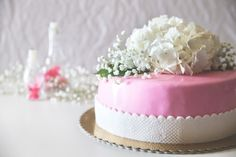 Spring cake!  #pink #white #flowers