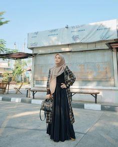 Modest Fashion Hijab, Hijab Style Dress, Niqab Fashion, Modern Hijab Fashion, Street Hijab Fashion, Casual Hijab Outfit, Hijab Fashion Inspiration, Hijab Chic, Ootd Hijab
