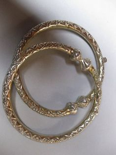 An Attractive Pair of Thin Anklets. Origin: unknown. Khaneikey.com