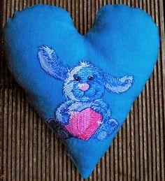 Hier mein29. Herz für Euch: Der kleine Hase mit Herz