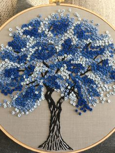 Hand Embroidery Patterns Flowers, Hand Embroidery Videos, Embroidery Stitches Tutorial, Creative Embroidery, Simple Embroidery, Hand Embroidery Stitches, Embroidery Hoop Art, Hand Embroidery Designs, Creations