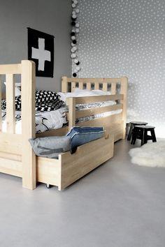 KINDERBED TIM 90x200 (naturel + stevige lattenbodem + speelgoed opberglades) Toddler Chair, Toddler Rooms, Baby Boy Rooms, Kids Room Organization, Diy Bed, Baby Room Decor, Kid Spaces, Bed Design, Girl Room