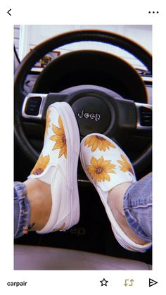 Slip on sneakers outfit – Lady Dress Designs Sock Shoes, Cute Shoes, Vans Shoes, Me Too Shoes, Shoe Boots, Slip On Shoes, Adidas Shoes, Dream Shoes, Crazy Shoes