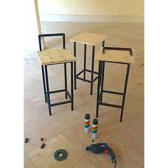 صندلی بار   متریال : چوب و فلز   طراحی و ساخت : مهندس محمد رنجبر   گروه مهندسی پلان سازه کیش    Bar Seat Material:  wood and metal  Design and construction: Mohammad Ranjbar Eng   Engineering Group of Plan Sazeh Kish