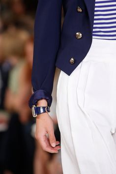 Ralph Lauren Spring 2016 Ready-to-Wear collection, runway looks, beauty, models, and reviews. Spring Fashion, Fashion Show, Fashion 2016, Ralph Lauren Collection, Fashion Over 40, Spring Summer 2016, French Fashion, Old Women, Ready To Wear