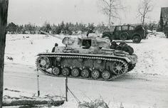 fuehrerbefehl: (Click for Hi-res)Original photos of a whitewashed Panzer III tank column from the 12th Panzer Division in Russia, 1941