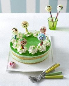 Waldmeister-Torte mit Brause-Lollies (Kinder-Geburtstagstorte)