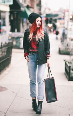 Sweater – M Missoni/ Bag – Maiyet Sia Shopper bag/ Jeans – Re-Vice/ Shoes – Old (By Lua P)