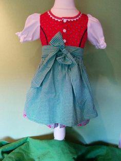 Das Kleid ist aus wunderschönem Dirndlstoff ( reine Baumwolle). Es wird vorne durchgehend mit...,Baby Dirndl Gr. 80/86 neu mit 2 Schürzen zur Auswahl in Nordrhein-Westfalen - Jülich