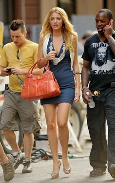 Blake Lively On the Set of Gossip Girl August 11 2009